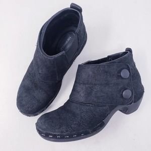 Merrell Black Suede Luxe Button Ankle Boots Sz 7.5